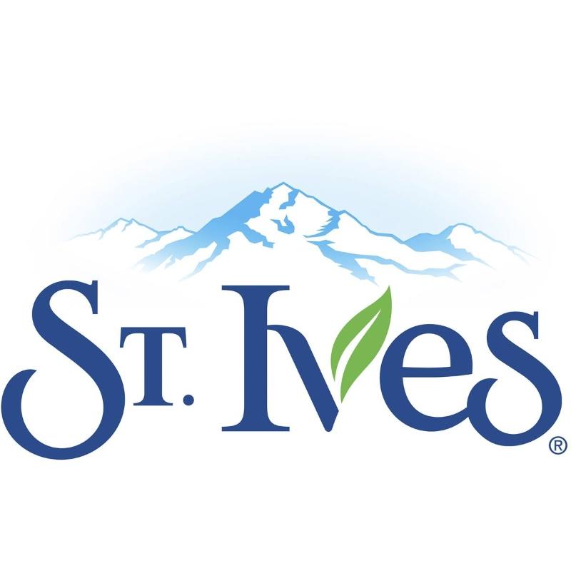 Tẩy da chết St Ives Naturally Clear Scrub Green Tea 150ml chiết xuất trà xanh cho da nhiều mụn đầu đen