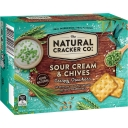 Bánh quy The Natural Cracker Co. Sour Cream & Chives Crispy Crackers 160g