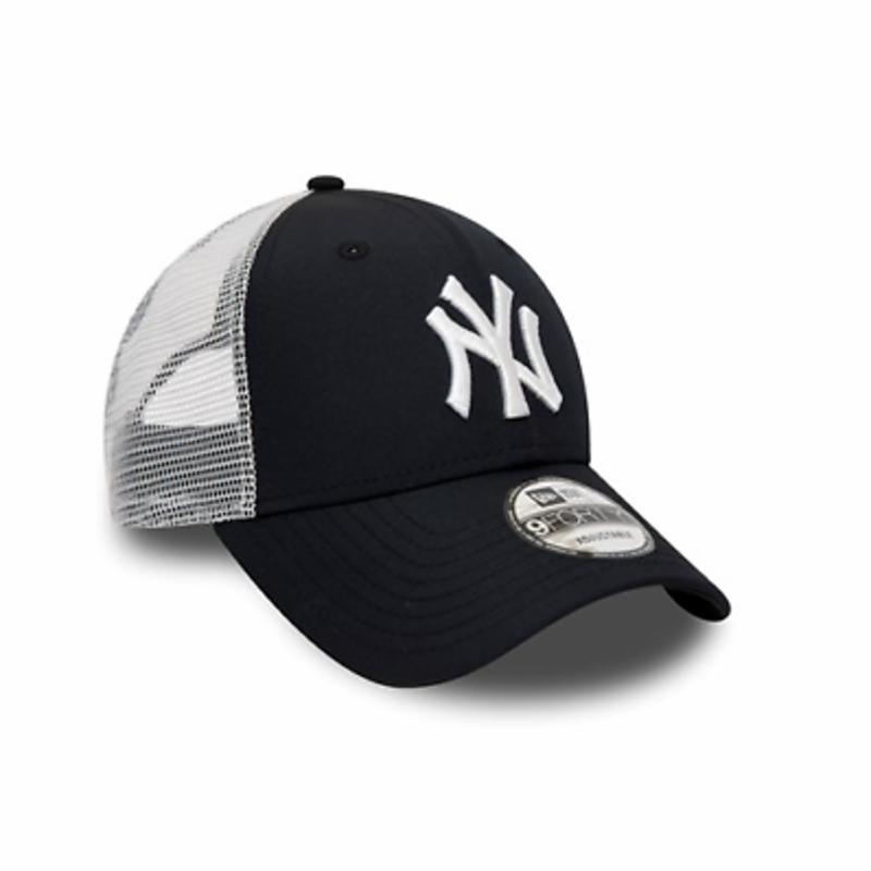 New Era MLB new York Yankees Logo Navy & White Curved Peak Trucker Strapback Hat